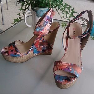 Just Fab Fabric Wedges, Size 7.5